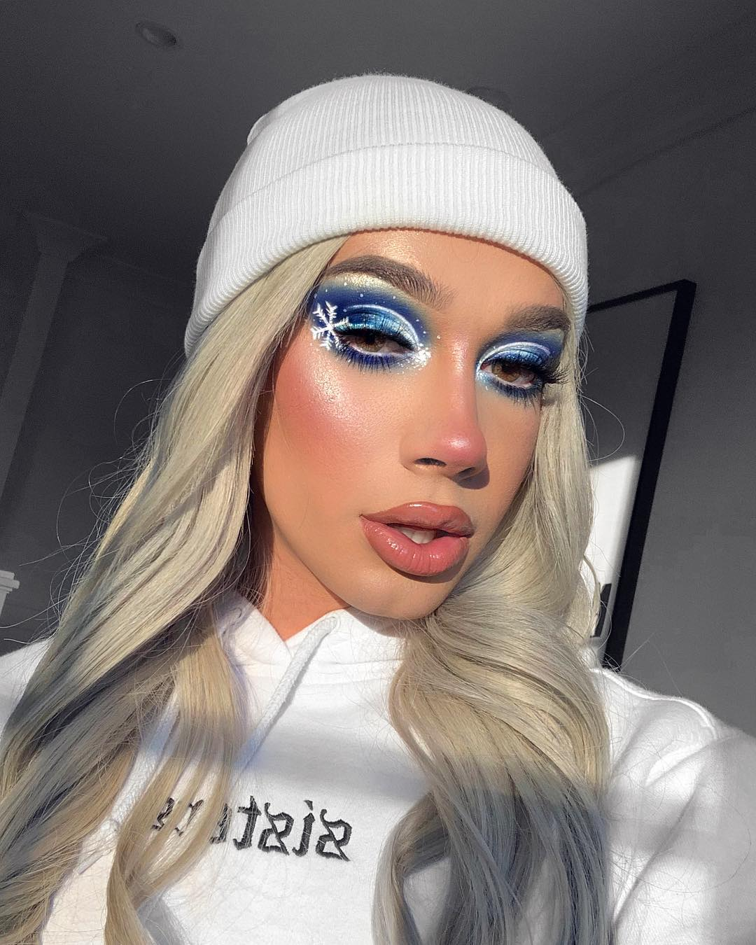 James Charles Make Up