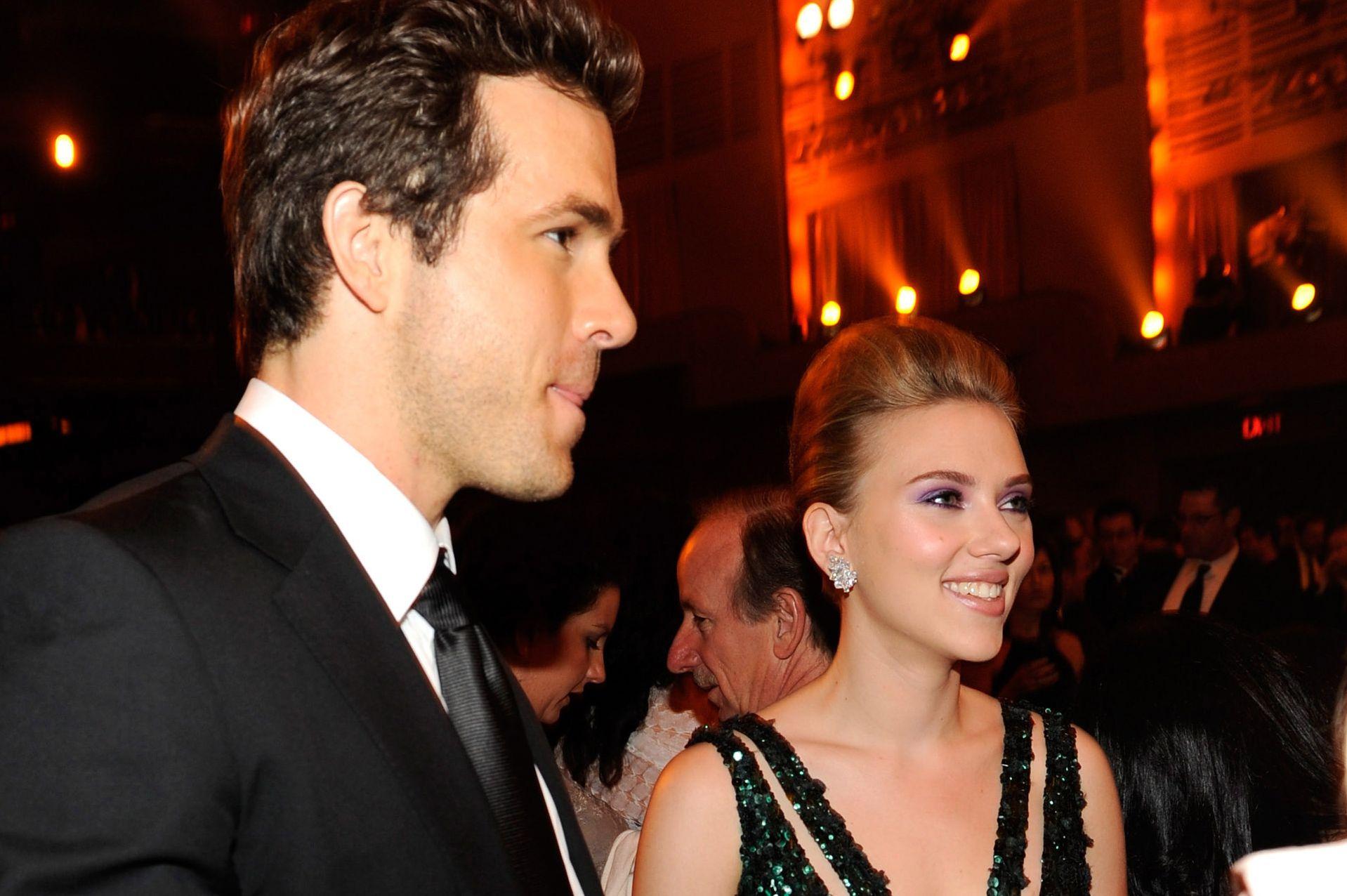 Ryan Reynolds and Scarlett Johansson