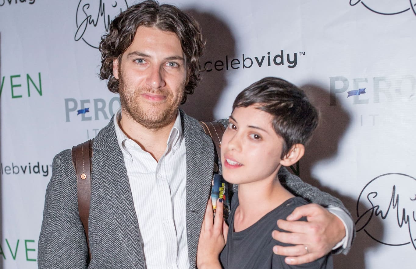Adam Pally and Rosa Salazar
