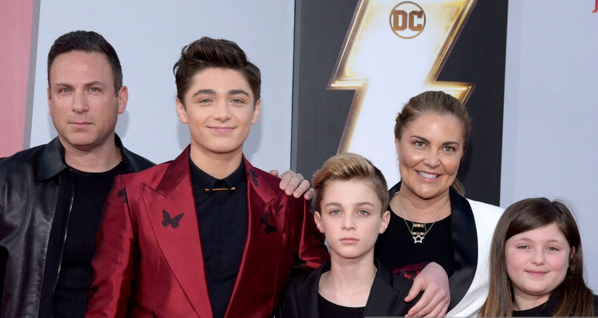 Asher Angel's family