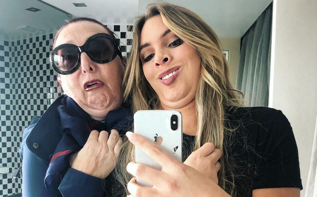 Lele Pons and her mother