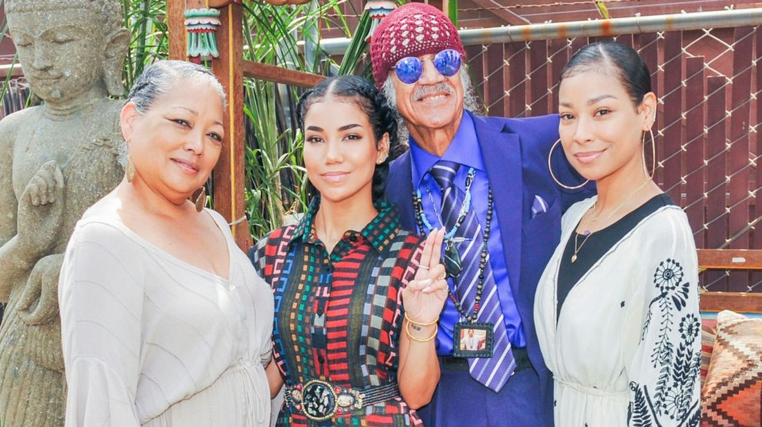Jhene Aiko's father, mother and her sister