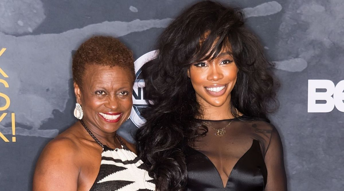 SZA and her mother