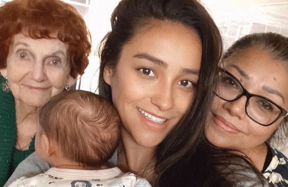 Shay Mitchell, grandma and her mother