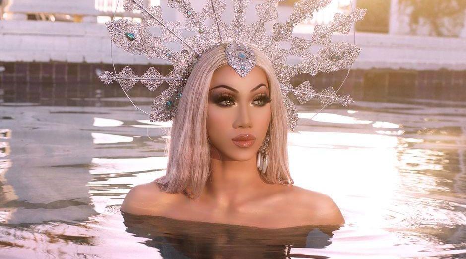 Plastique Tiara Irresistible