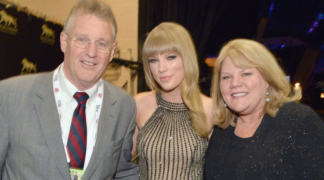Scott Swift, Taylor Swift and Andrea Swift