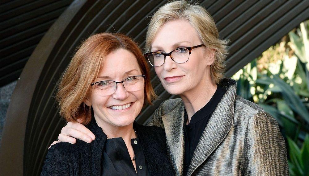 Jane Lynch And Jennifer Cheyne