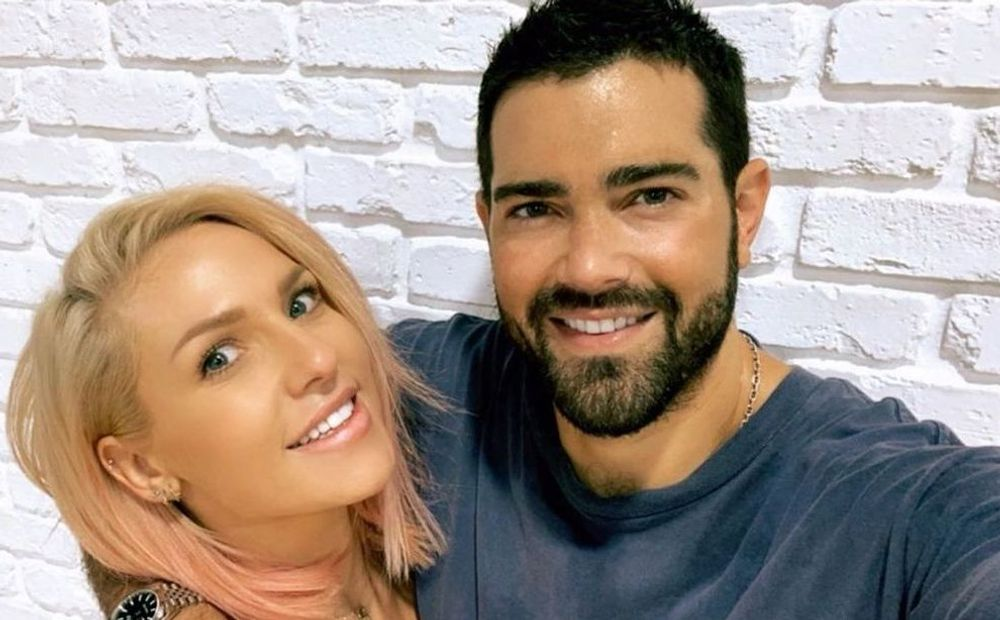 Sharna Burgess And Jesse Metcalfe