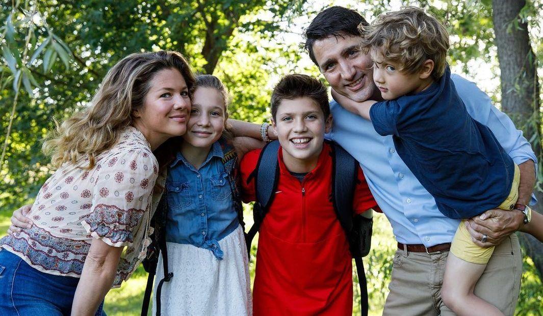 Justin Trudeau, Sophie Grégoire Trudeau and their children