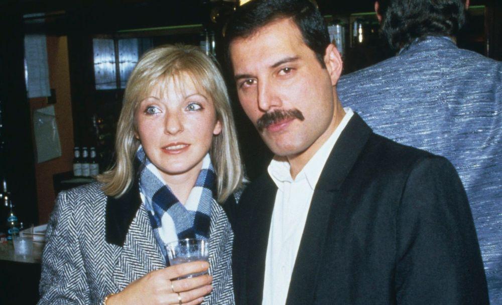 Mary Austin and Freddie Mercury wedd