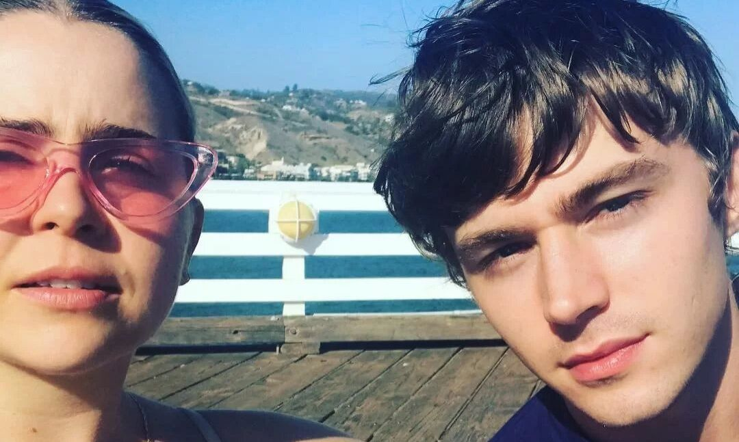 Mae Whitman and Miles Heizer